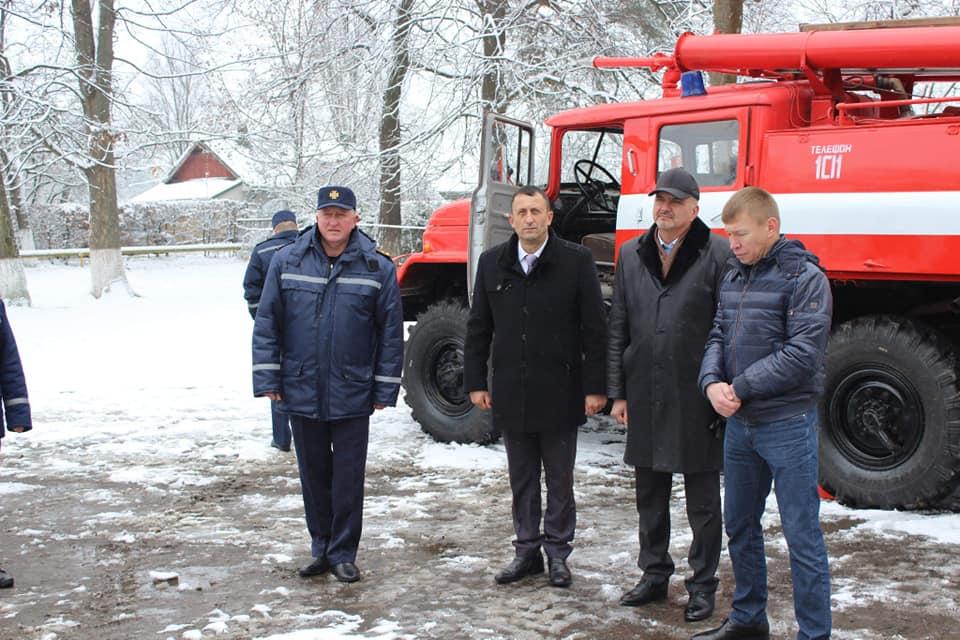 Печеніжинська ОТГ отримала пожежне авто підвищеної ...