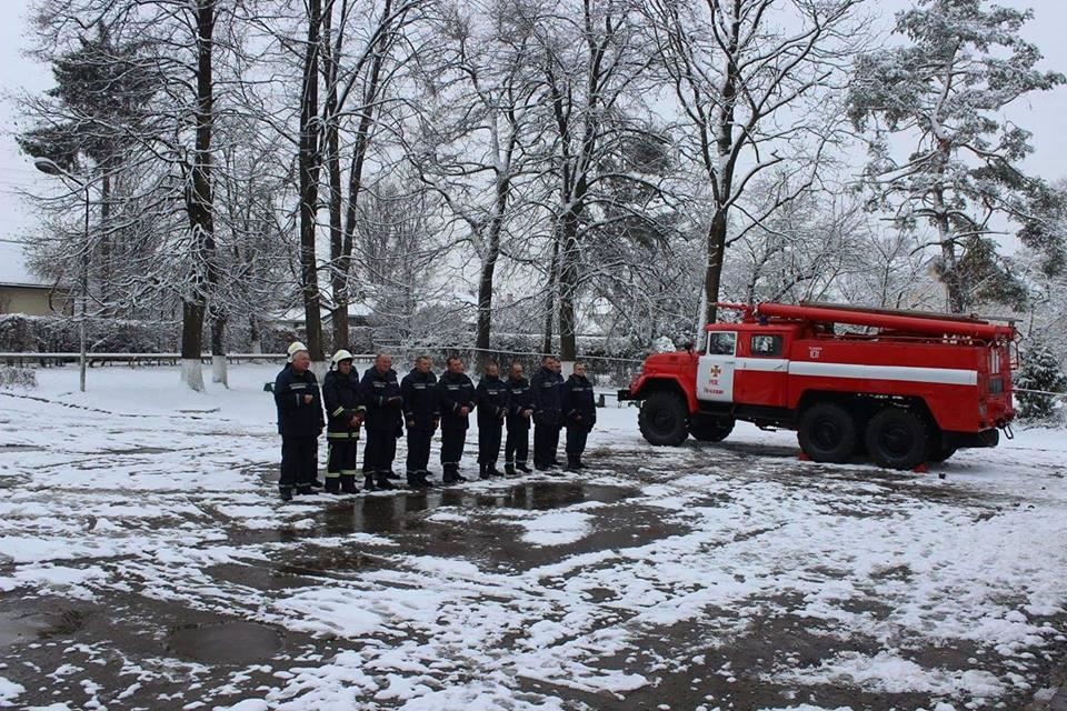 Печеніжинська ОТГ отримала пожежне авто підвищеної прохідності