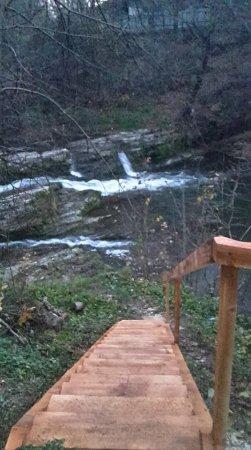 Облаштовано спуск до водоспаду Гуркало в с. Станківці (Витвицька ОТГ)