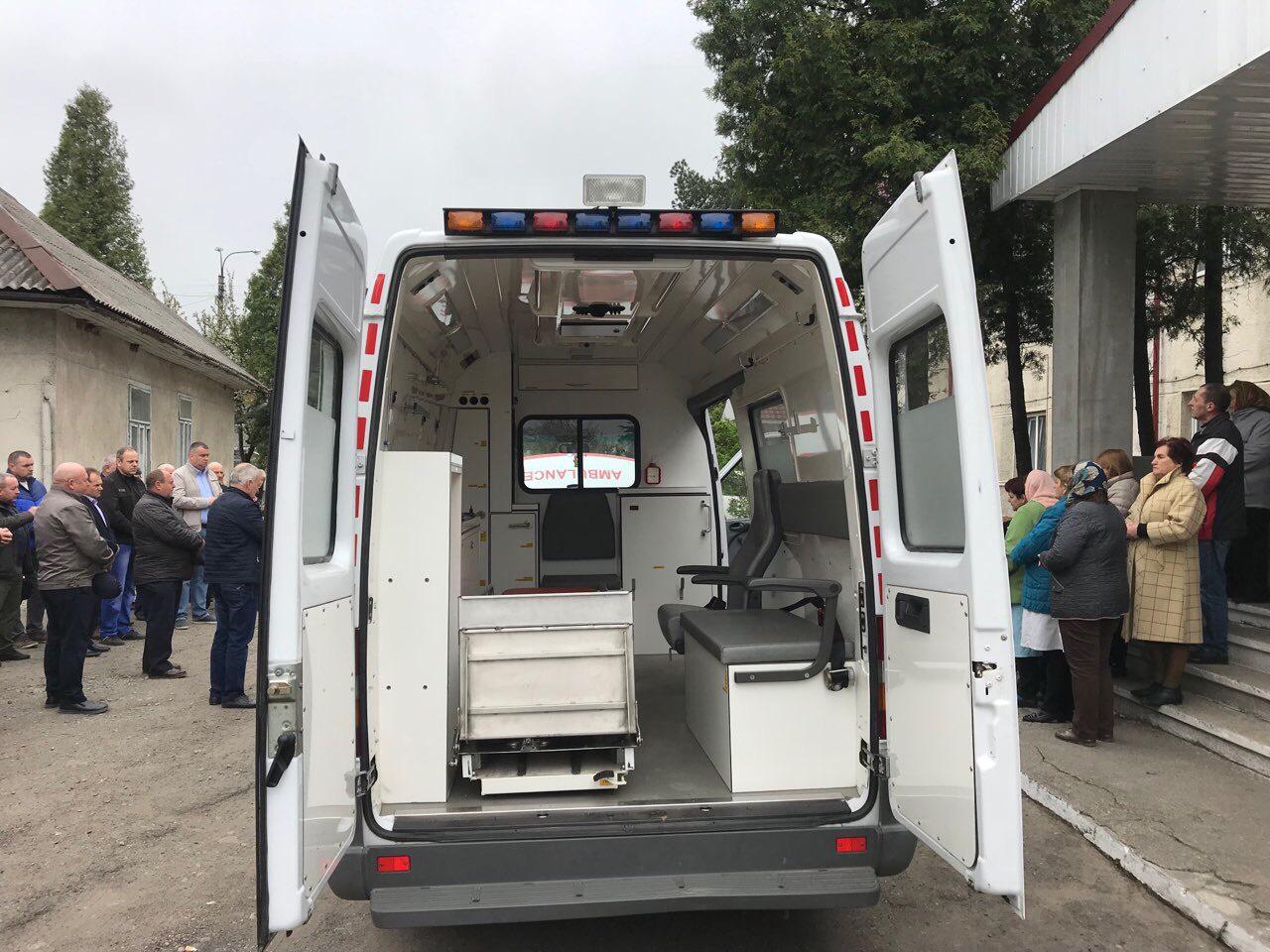 Новий автомобіль швидкої допомоги - запорука надання своєчасної медичної допомоги жителям Ланчинської громади!
