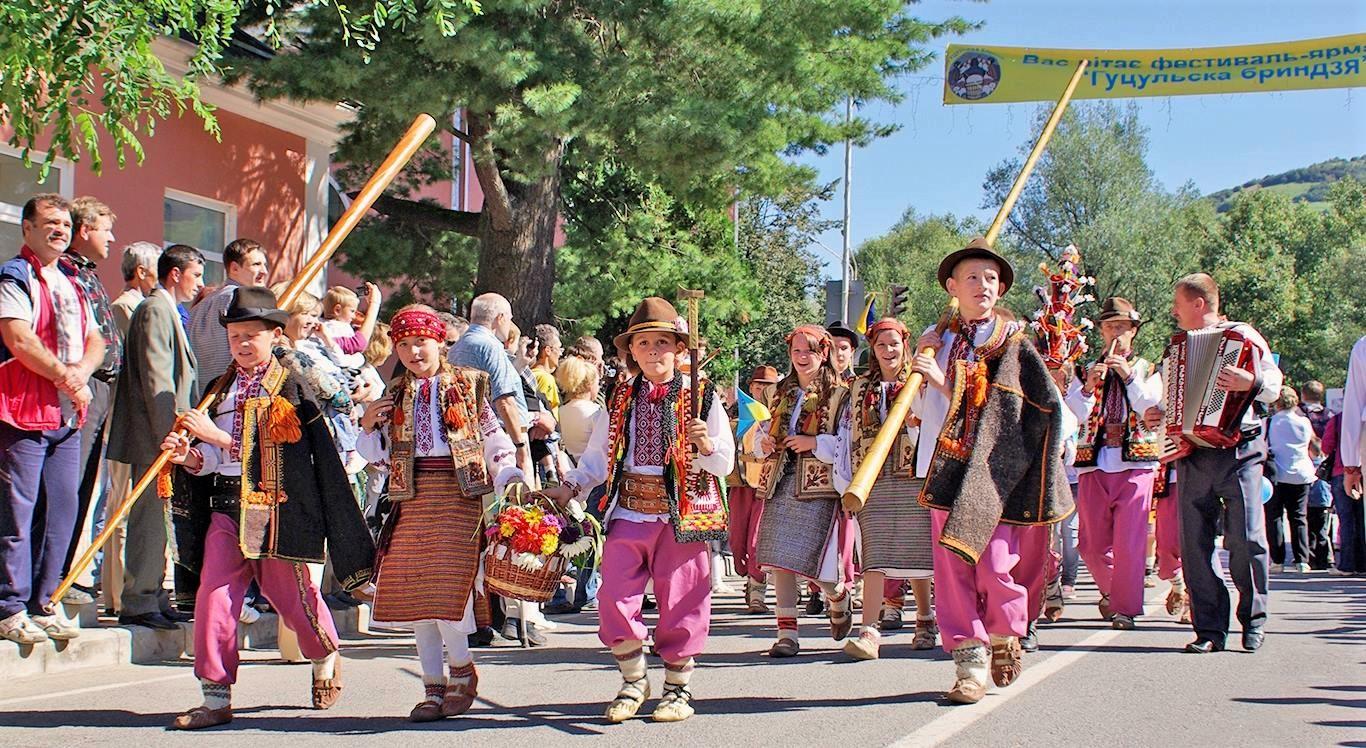 Перший масштабний гуцульський карнавал проведуть у ...