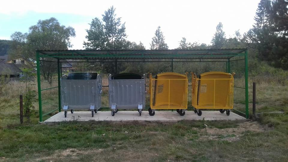 В Дзвиняцьку територіальну громаду в рамках співпраці з Програма DOBRE доставлено контейнери та 21 майданчик для роздільного сортування  твердих побутових відходів