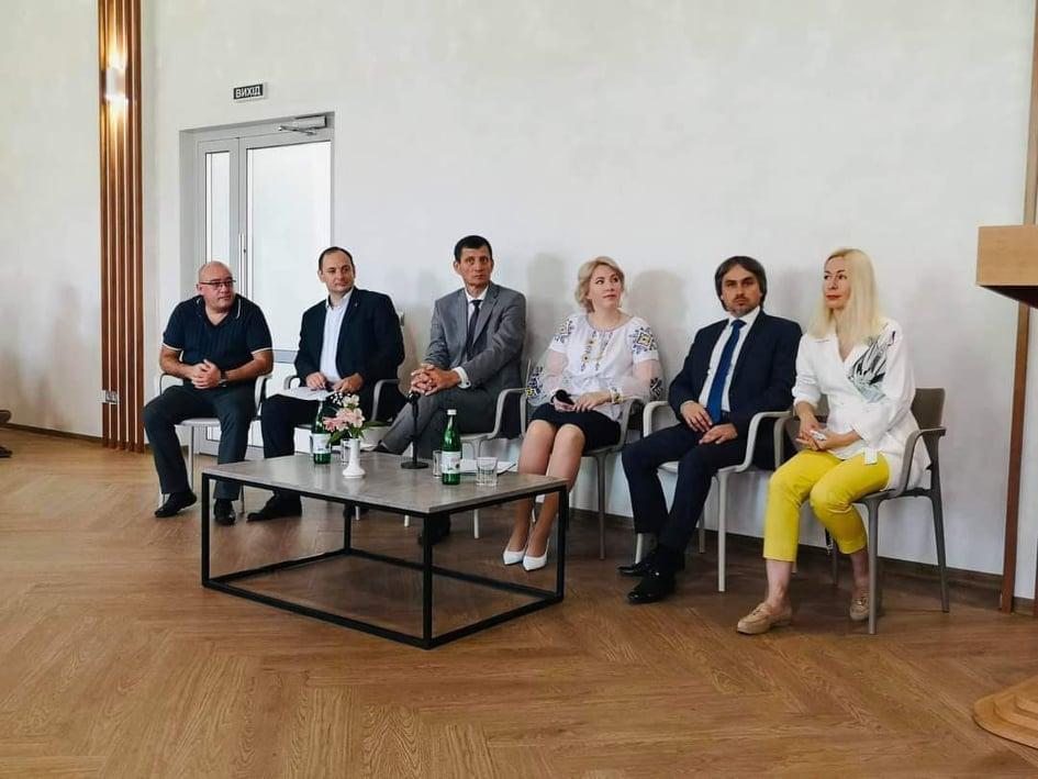 На Прикарпатті налагоджуватимуть роботу між органами виконавчої влади та місцевим самоврядуванням