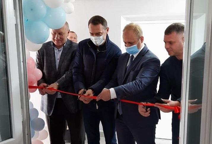 У Бурштинській лікарні відкрили оновлене пологове відділення